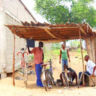 A bike shop in Lomè